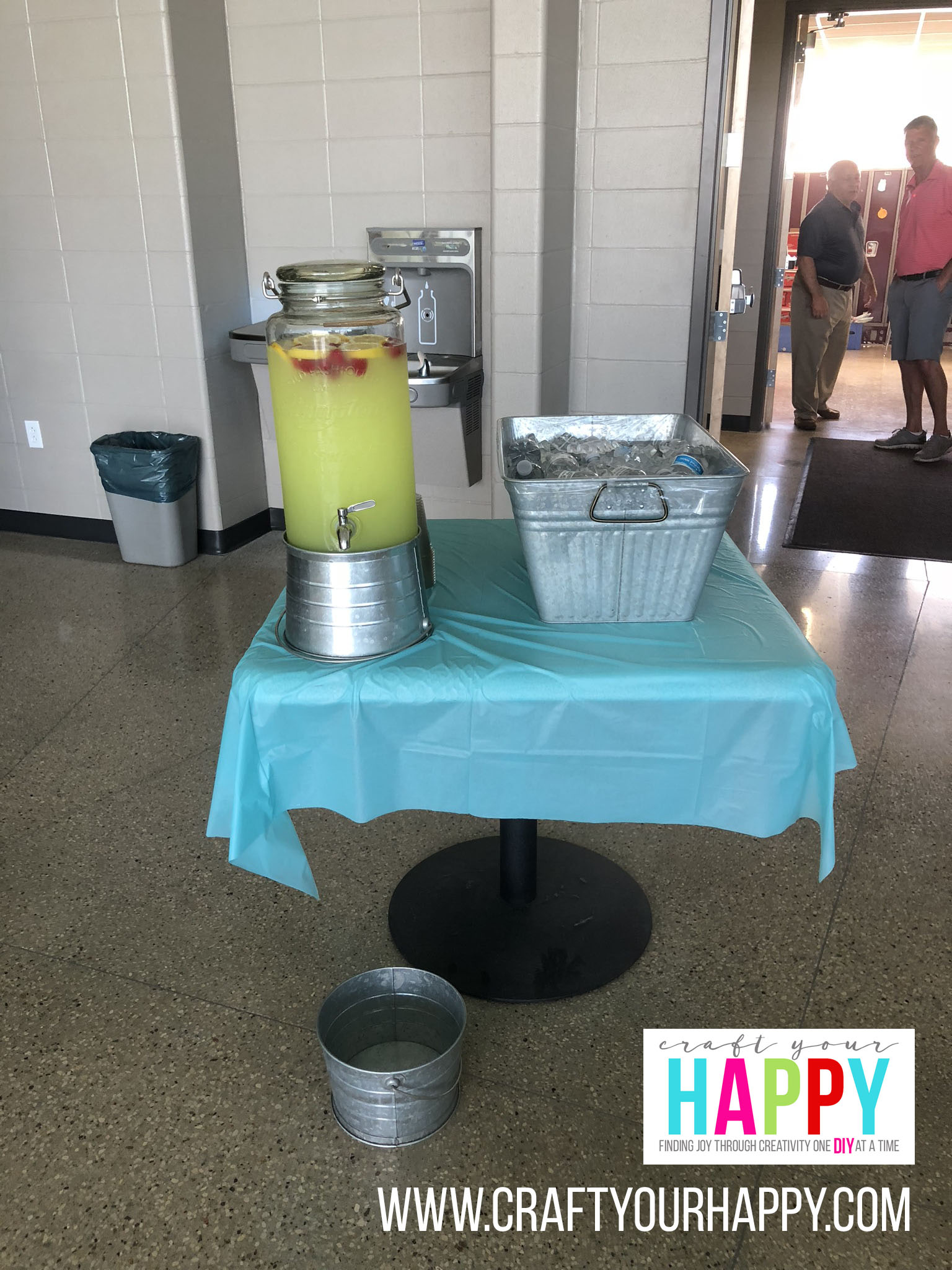 Craft Your Happy - Grad Party On A Budget - Lemonade And Water Station