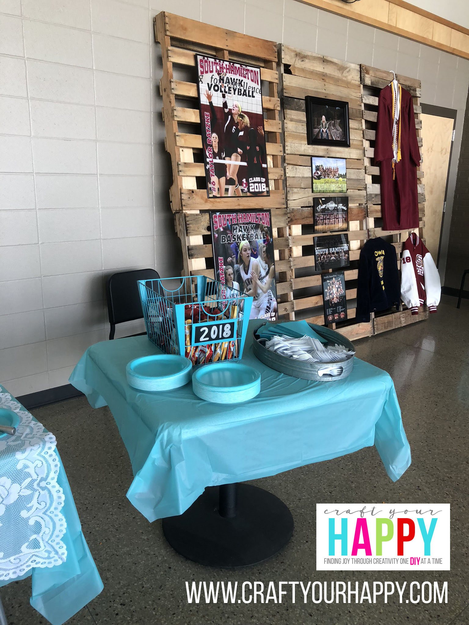 Craft Your Happy - Grad Party On A Budget - Pallette Display