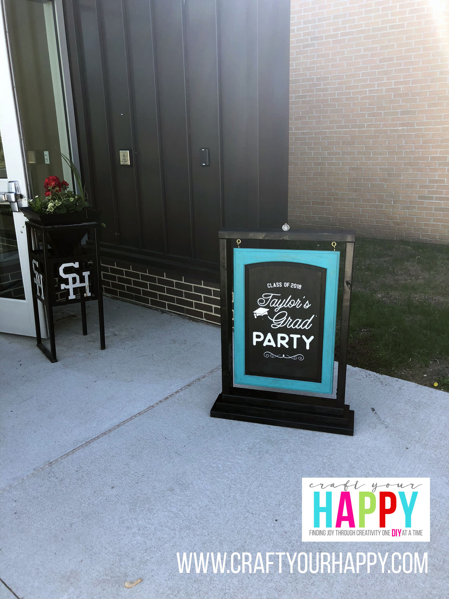 Craft Your Happy - Graduation Welcome Sign - Grad Party On A Budget